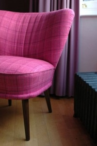 hotpink chair